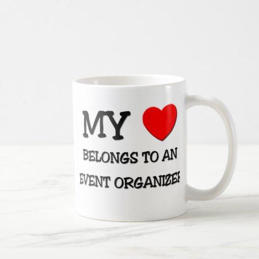 Mi corazón pertenece a un ORGANIZADOR del ACONTECI Tazas De Café