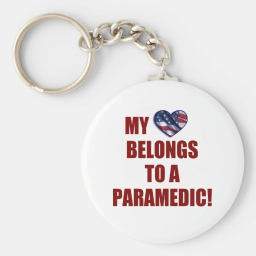 Mi corazón pertenece a un paramédico llaveros personalizados