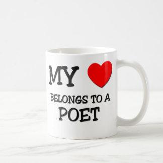 Mi corazón pertenece a un POETA Tazas