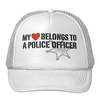 Mi corazón pertenece a un policía gorras