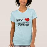 Mi corazón pertenece a un QUÍMICO Camiseta