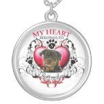 Mi corazón pertenece a un Rottweiler Pendiente