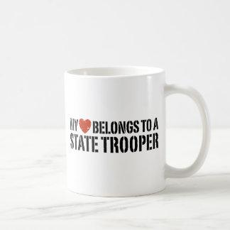 Mi corazón pertenece a un soldado de caballería taza de café
