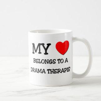 Mi corazón pertenece a un TERAPEUTA del DRAMA Taza De Café
