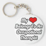Mi corazón pertenece a un terapeuta profesional llavero