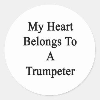 Mi corazón pertenece a un trompetista etiquetas redondas