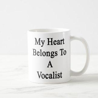 Mi corazón pertenece a un vocalista taza