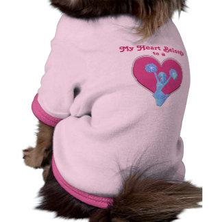 Mi corazón pertenece a una camisa de encargo del p ropa perro