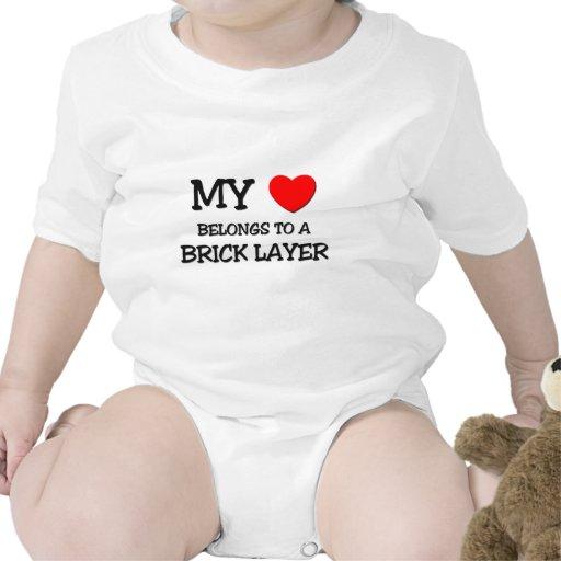 Mi corazón pertenece a una CAPA de LADRILLO Camiseta