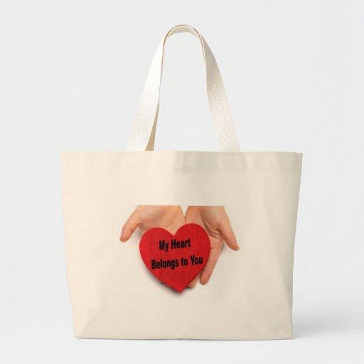 Mi corazón pertenece a usted las manos de la tarje bolsas de mano