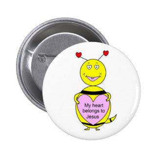 """Mi corazón pertenece al botón de la """"abeja"""" de Jes Pin Redondo De 2 Pulgadas"""