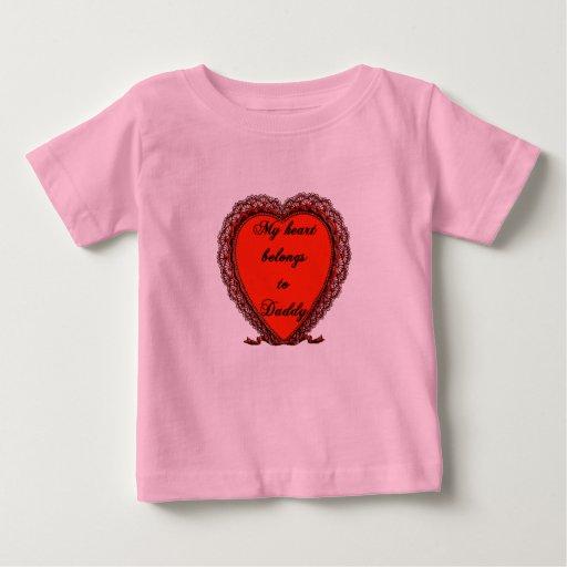 Mi corazón pertenece al papá tshirts