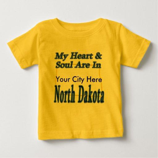 Mi corazón y alma están en Dakota del Norte Playera