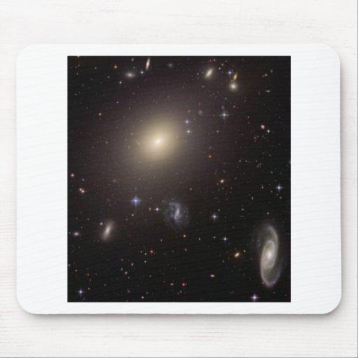 Mi dios… ¡Es lleno de galaxias! Alfombrillas De Ratón