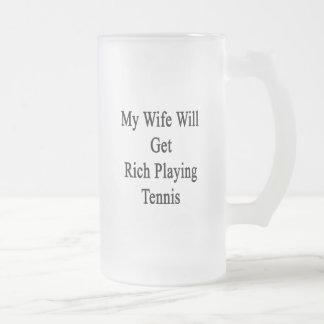 Mi esposa conseguirá rica jugando a tenis tazas de café