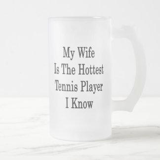 Mi esposa es el jugador de tenis más caliente que  tazas de café