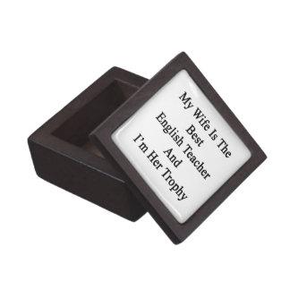 Mi esposa es el mejor profesor de inglés y soy su cajas de recuerdo de calidad