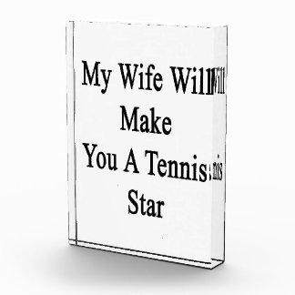Mi esposa le hará una estrella de tenis
