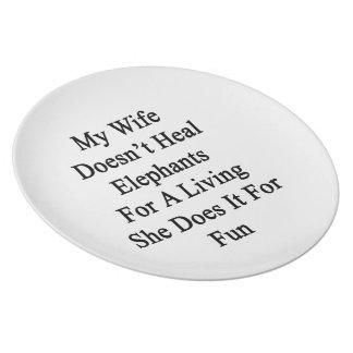 Mi esposa no cura los elefantes para la vida de A  Plato De Comida