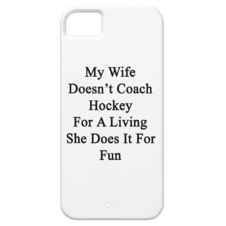 Mi esposa no entrena el hockey para la vida de A q iPhone 5 Protector