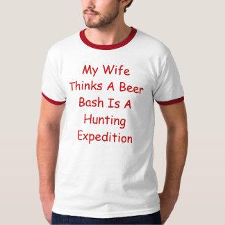 Mi esposa piensa que un golpe de la cerveza es una playera
