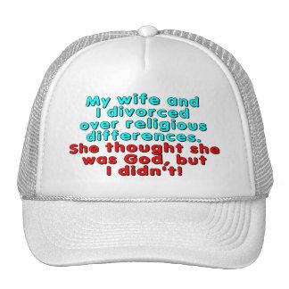 Mi esposa y yo nos divorciamos sobre religioso… gorras