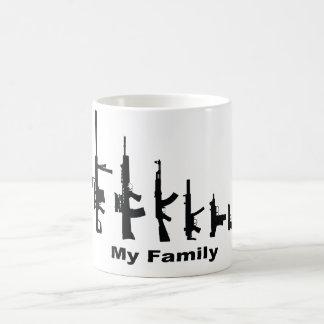 Mi familia (armas del amor de I) Taza Básica Blanca