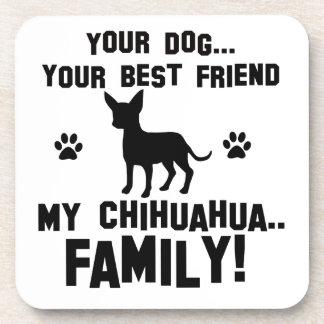 Mi familia de la chihuahua, su perro apenas un posavasos