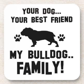 Mi familia del dogo, su perro apenas un mejor posavasos de bebida