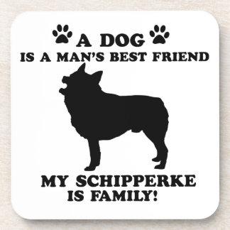 Mi familia del Schipperke, su perro apenas un Posavaso