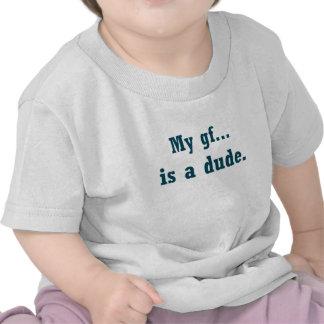 Mi gf… es un tipo camisetas