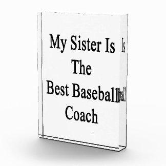 Mi hermana es el mejor entrenador de béisbol