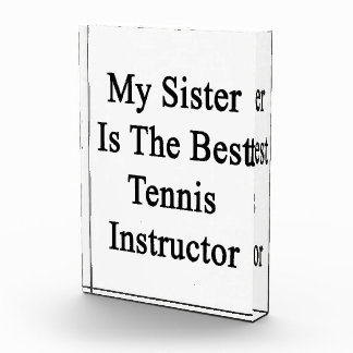 Mi hermana es el mejor instructor del tenis