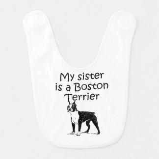 Mi hermana es una Boston Terrier Babero Para Bebé
