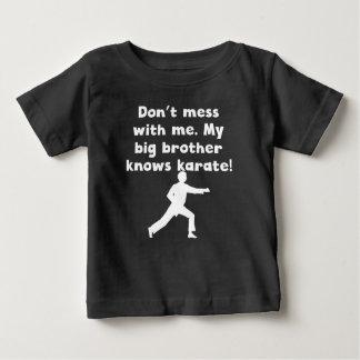 Mi hermano mayor sabe karate playeras