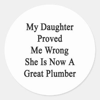 Mi hija me probó que incorrecto ella ahora es un etiquetas redondas