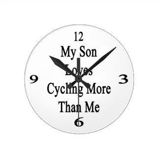 Mi hijo ama el completar un ciclo más que mí reloj redondo mediano