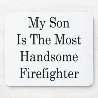 Mi hijo es el bombero más hermoso mouse pads