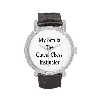 Mi hijo es el instructor más lindo del ajedrez reloj