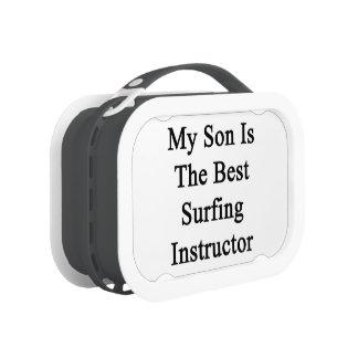 Mi hijo es el mejor instructor que practica surf