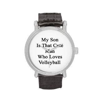 Mi hijo es ese hombre lindo que ama voleibol