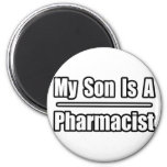 Mi hijo es farmacéutico imán de frigorífico