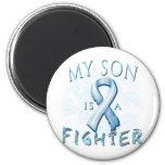 Mi hijo es un combatiente azul claro imán de frigorífico