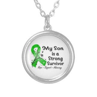 Mi hijo es una cinta fuerte del verde del superviv colgante redondo