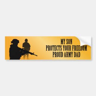 Mi hijo protege su libertad (el papá del ejército) pegatina para auto