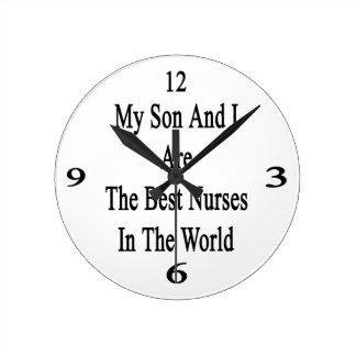Mi hijo y yo somos las mejores enfermeras del reloj redondo mediano