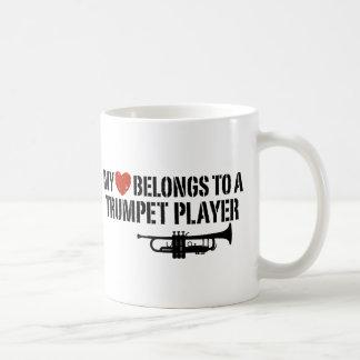 Mi jugador de trompeta del corazón taza clásica