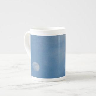 Mi luna diurna - taza de la porcelana de hueso taza de porcelana