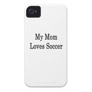 Mi mamá ama fútbol Case-Mate iPhone 4 cárcasa