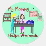 Mi mamá ayuda a animales--El veterinario embroma l Etiquetas